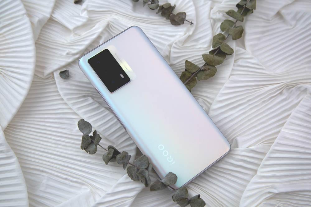 """传承""""性能先锋""""之名 iQOO Z5首发深度评测插图"""