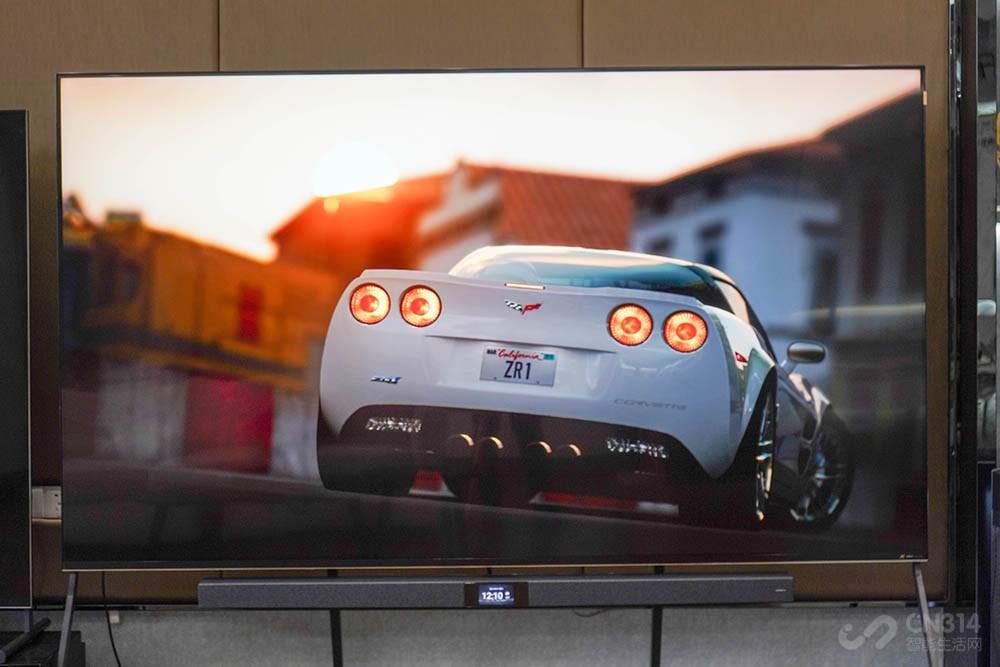 看电影要震撼 98英寸电视在家能塑造影院